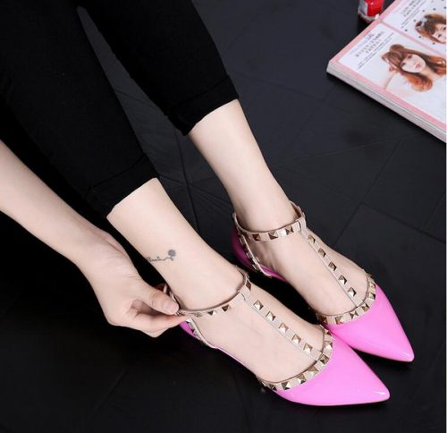 New spring 2017 fashion women gold metal flat shoes ladies t-strap roman shoes female pointed toe studs single spring shoes