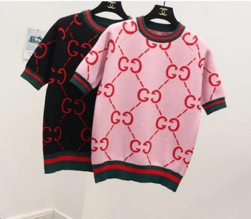 Women's T-Shirt 2018 new spring round collar bottom short sleeve knit sweater female south Korean version of fashion pullover sweater.